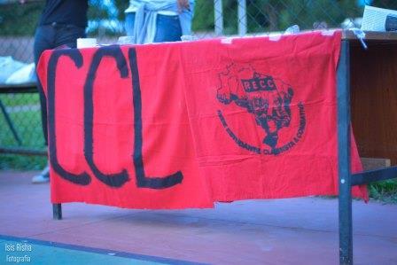 Bandeiras do Comité de Cultura e Luta (CCL) e da Rede Estudantil Classista e Combativa (RECC)